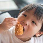 ¿Por qué nos gusta tanto la comida crujiente? (y cómo el sonido se convirtió en el sabor olvidado)